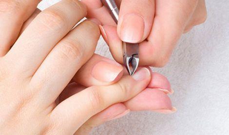 Як видалити задирки за допомогою косметичних засобів