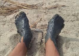 Голуба глина при догляді за ногами