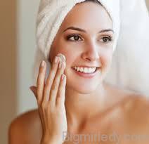 Мигдальний пілінг: щадна процедура для шкіри обличчя