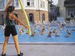 Тренування у воді як займатися в басейні, морі, річці