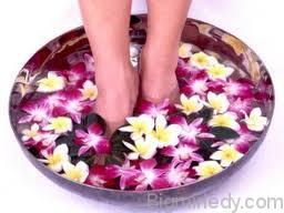 Трав'яні і контрастні ванночки для ніг