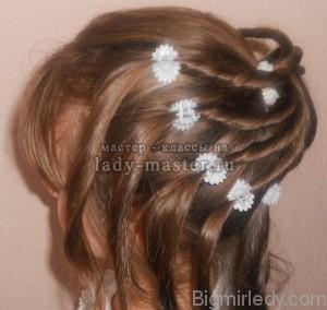 Святкова зачіска для дівчинки в домашніх умовах 3