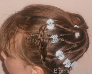 Святкова зачіска для дівчинки в домашніх умовах 5