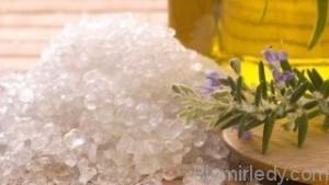 Медово-сольове обгортання для схуднення