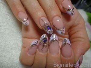 Дизайн нігтів рідкі камені 1