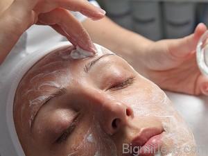 Глибоке очищення обличчя