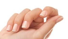 Як зміцнити нігті: 12 кращих засобів домашнього догляду