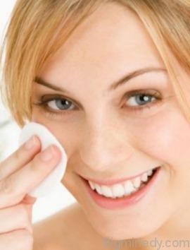 Яким повинен бути догляд за чутливою шкірою