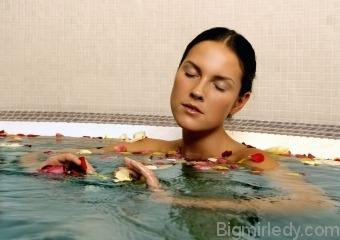 Лікувальні ванни з розчином бішофіту - показання та протипоказання