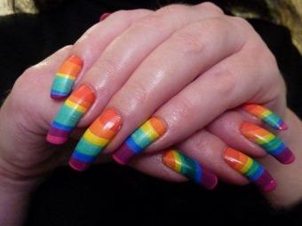 Різнокольорові нігті як правильно поєднувати тони і наносити лак