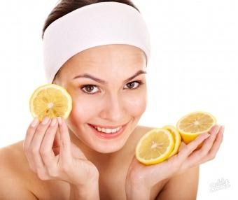 Маска з лимоном від вугрів