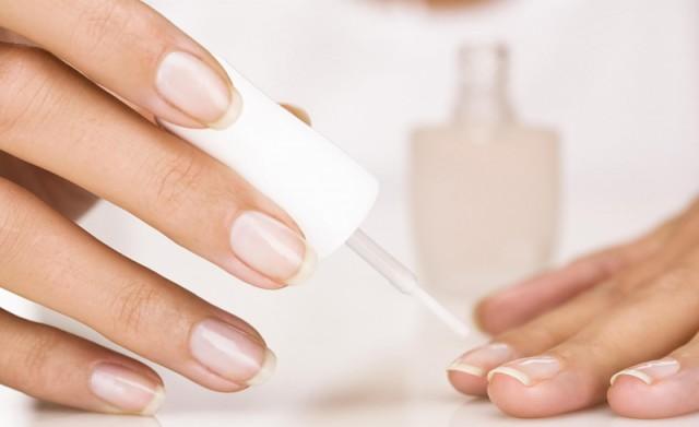 Як зміцнити нігті на руках в домашніх умовах