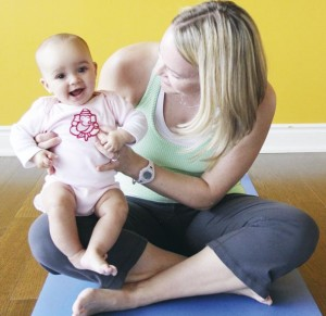 Гімнастика для дітей 9-12 місяців