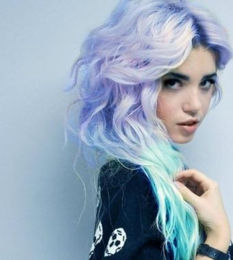Як фарбувати волосся креативно в блакитний колір