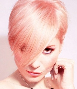 Як фарбувати волосся в рожевий колір