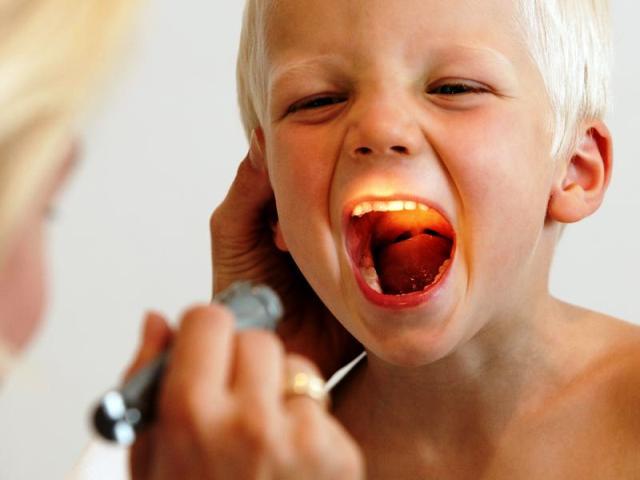 Аденоїди у дітей – застосування олії туї