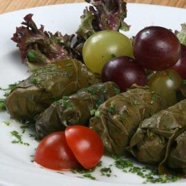 Голубці рецепт приготування з виноградного листя