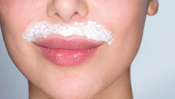 Як видалити волосся на обличчі в домашніх умовах