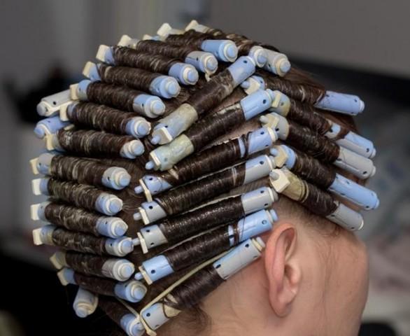 Хімічна завивка для волосся – правила виконання 4