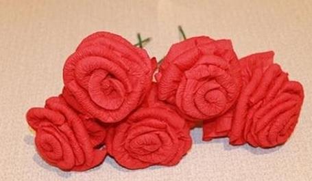 Як зробити квіти з серветок своїми руками 1