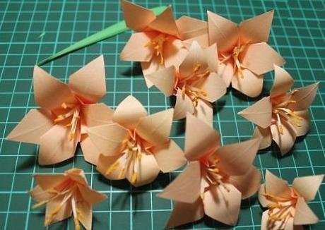 Як зробити квіти з серветок своїми руками 4