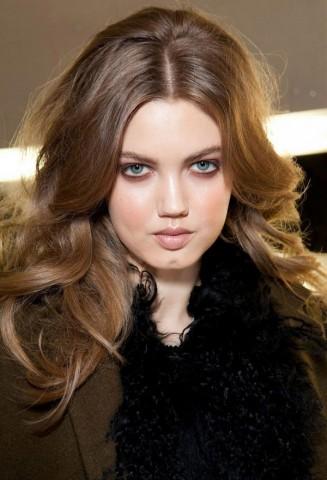 Зачіски з розпущеним волоссям – привабливі 6