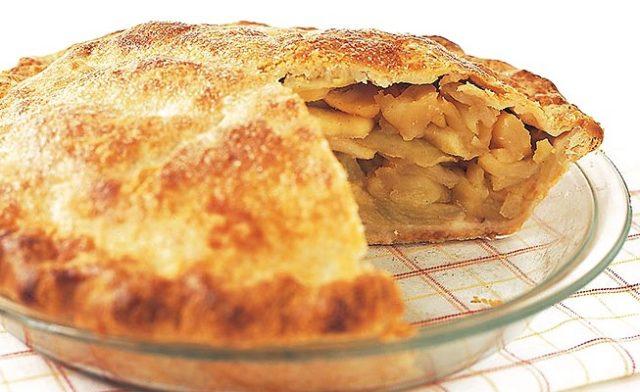Пиріг з яблуками. Секрети приготування