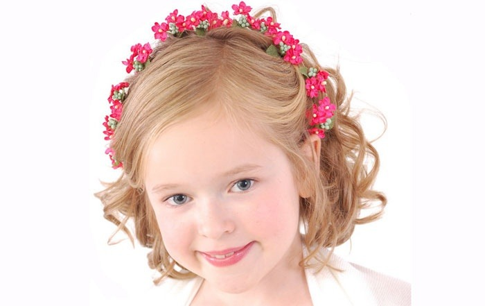 Прически на короткие волосы девочке на выпускной