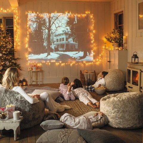 Новорічні фільми для всієї родини. Цікава підбірка