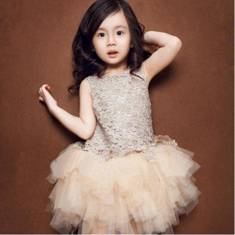 Новорічні плаття для дівчаток. Корисна підбірка 09dd3053c0b56
