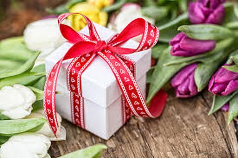 Подарунки на 8 березня – цікаві та оригінальні - c4e7c929b5dbd