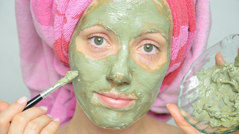 Ефективні маски для обличчя – від прищів та зморшок