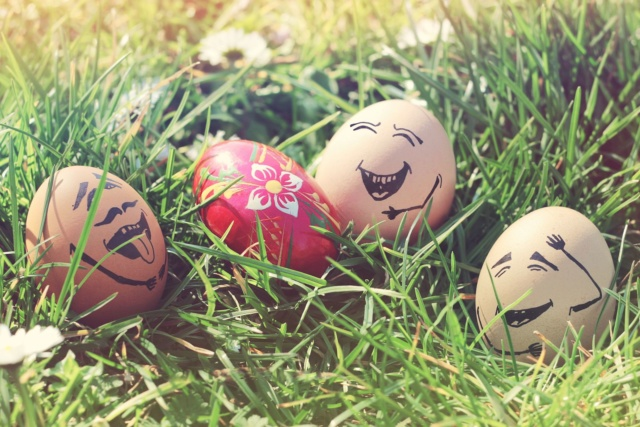 Пасхальні яйця малюнки - прості та оригінальні способи фарбування
