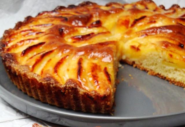 Пиріг з яблуками – добірка оригінальних та смачних рецептів