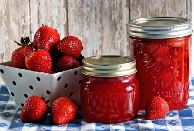 Як варити варення з полуниці. Підбірка рецептів