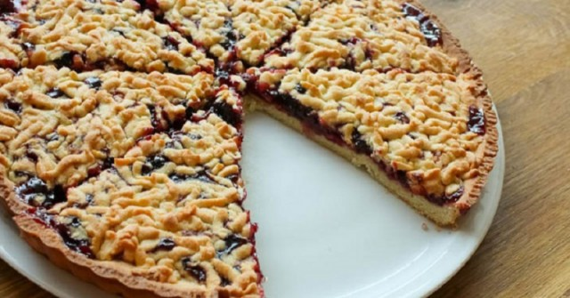 Пиріг з варенням – оригінальні та цікаві рецепти