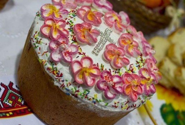 Рецепт паски з фото в хлібопічці. Підбірка рецептів