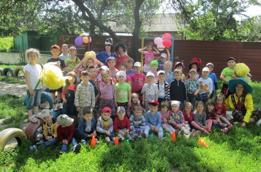 Сценарій свята на День знань в дитячому садку. Підбірка