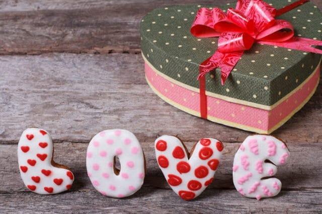 Традиції на 14 лютого 2021 року - день святого Валентина