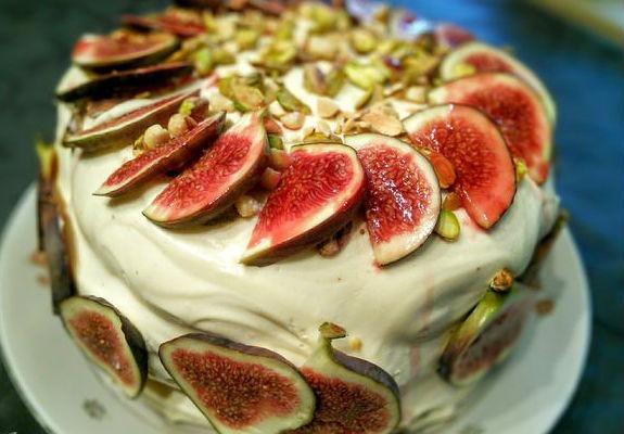 osinnij-tort-dlja-vsieji-simji
